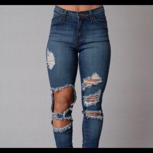 Brand New Fashion Nova Beach Bum Jeans Size 5 W 26